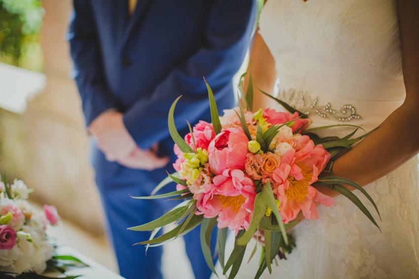 bride's bouquet detail