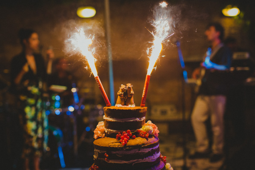 wedding cake with flares