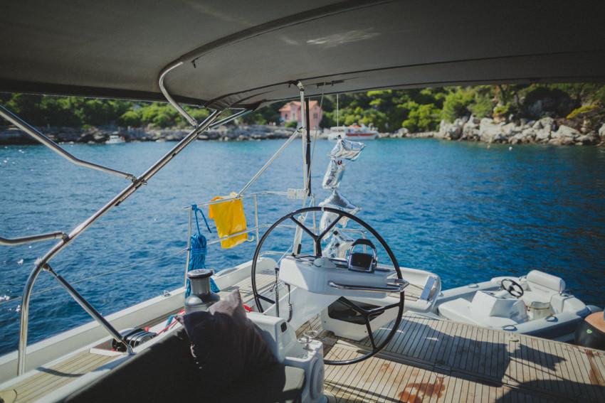 grooms' yacht in front of Lokrum